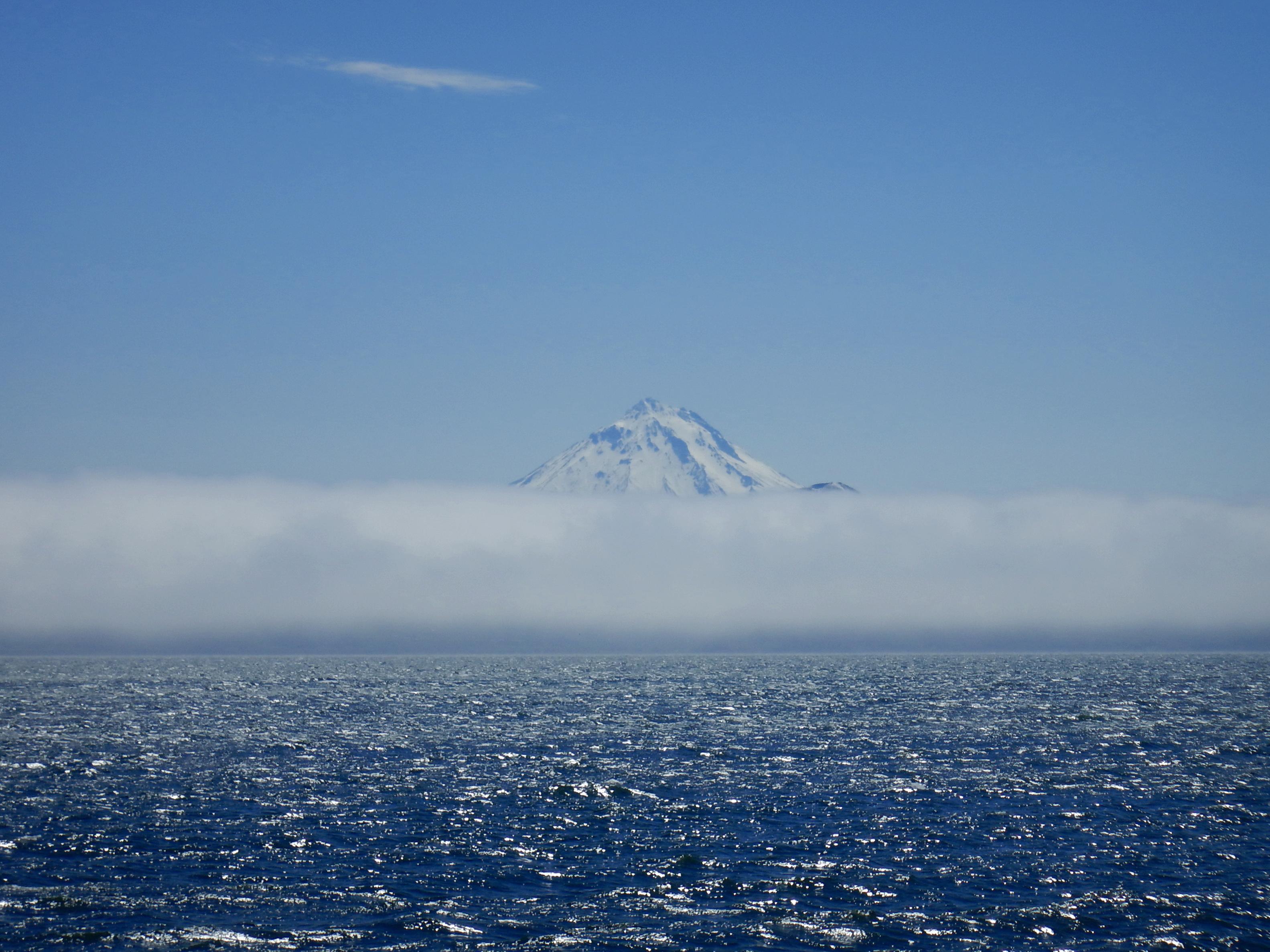 Авачинская бухта, вулкан Вилючинский