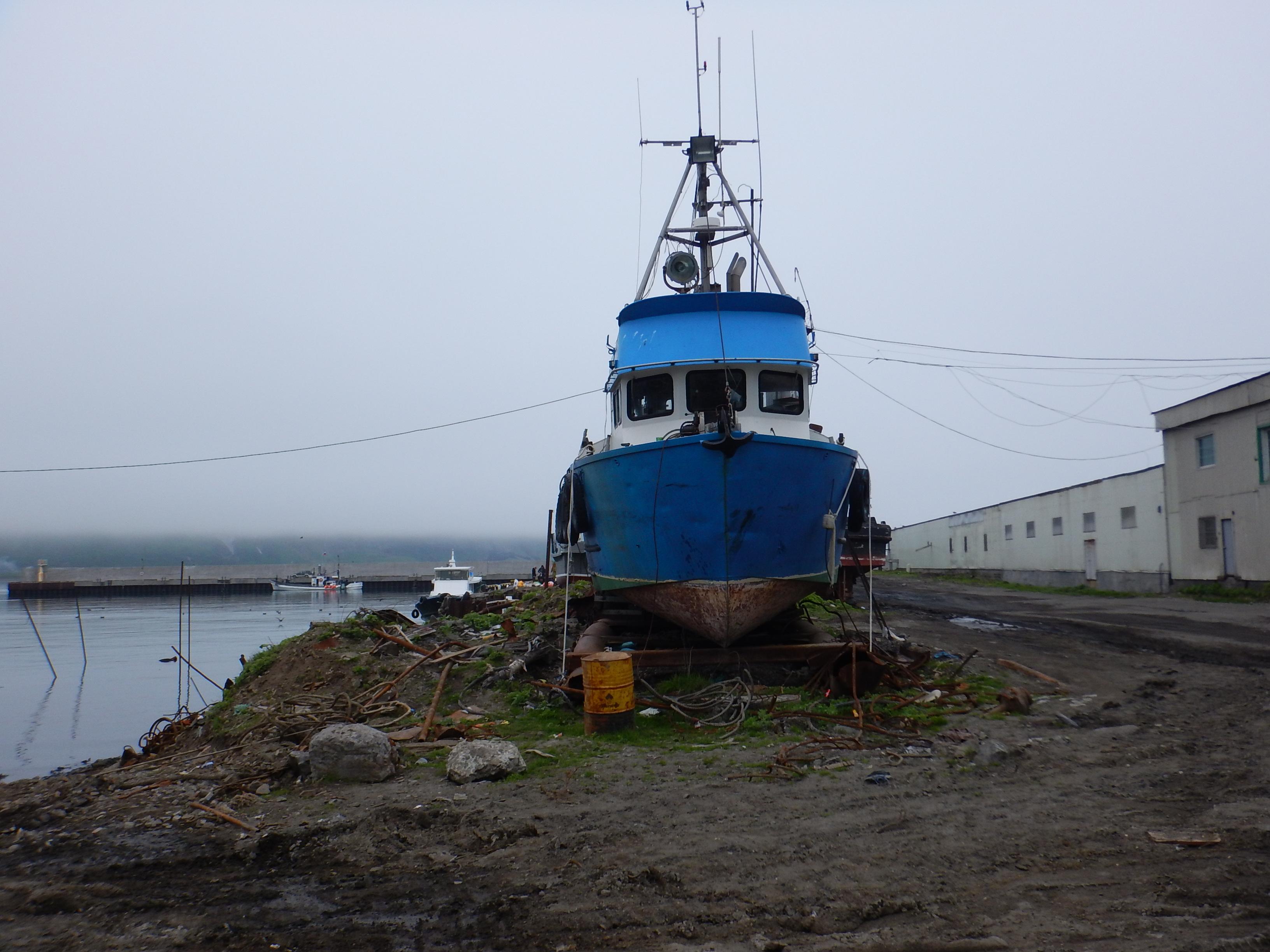Курилы, остров Парамушир, порт Северо-Курильск