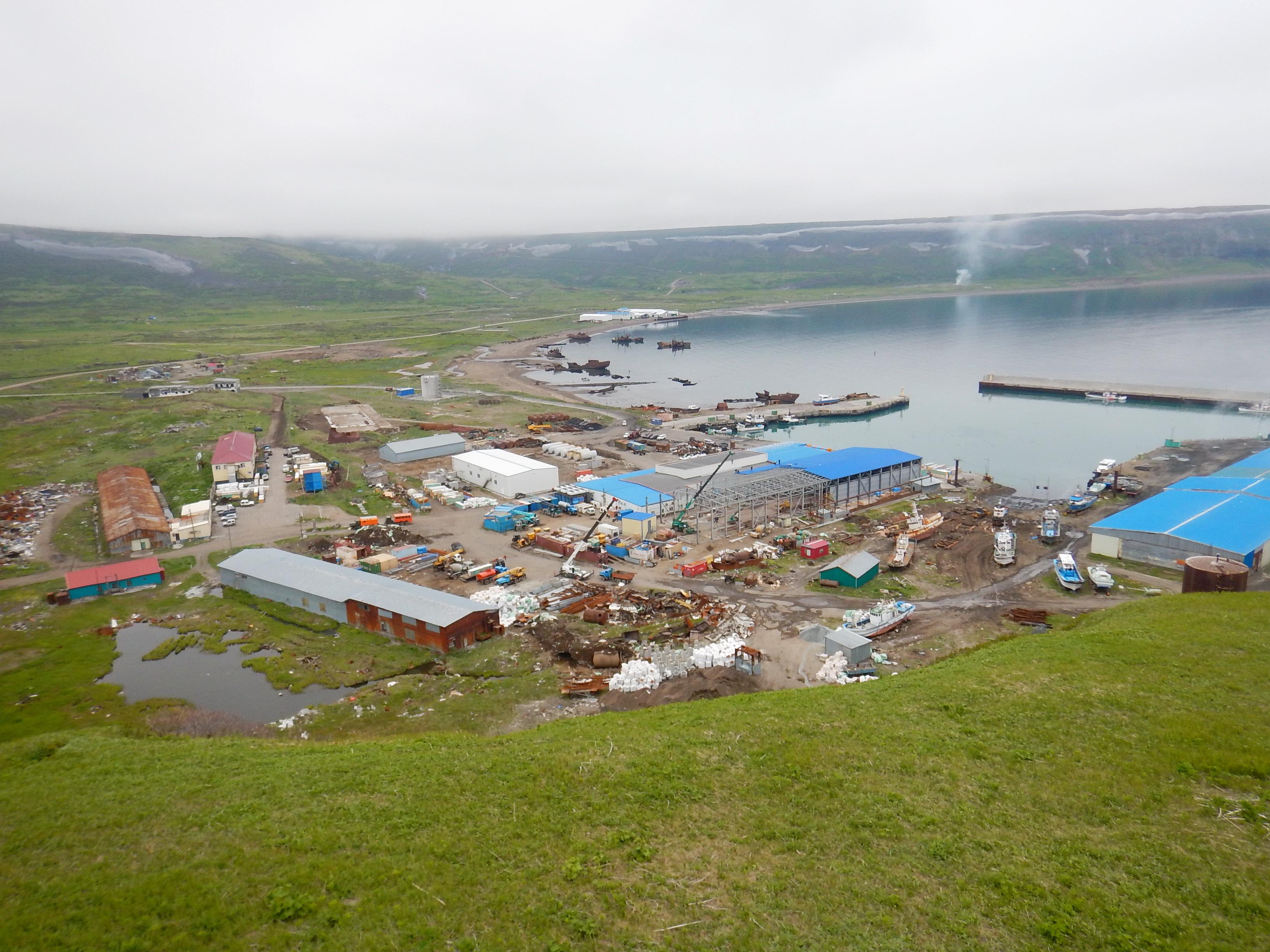 Северо-Курильск порт, вид с холма