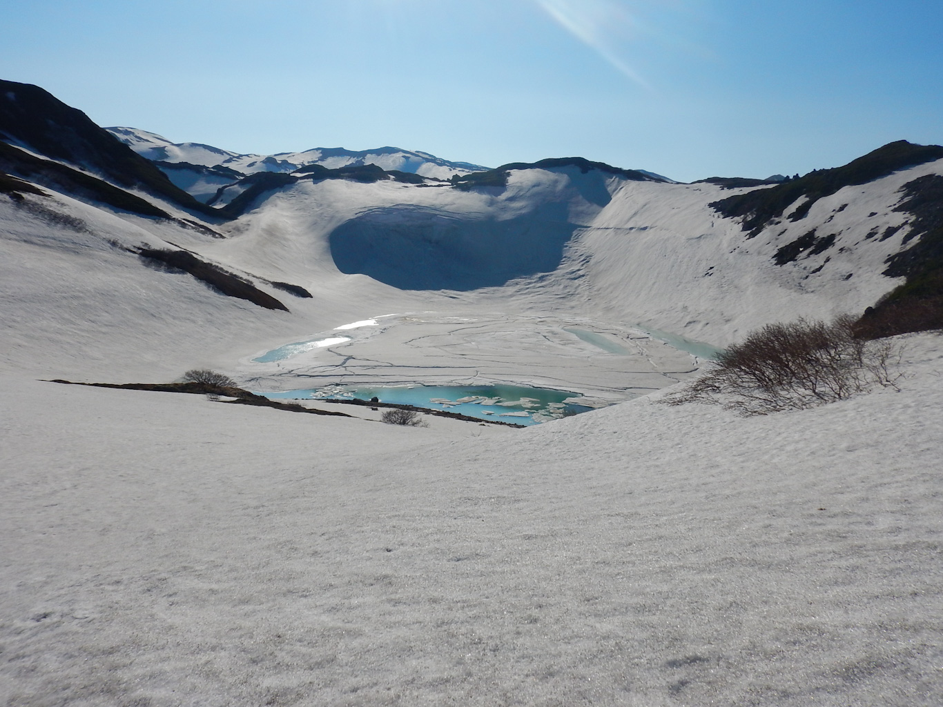 Озеро в кратере. Парамушир июль 2018