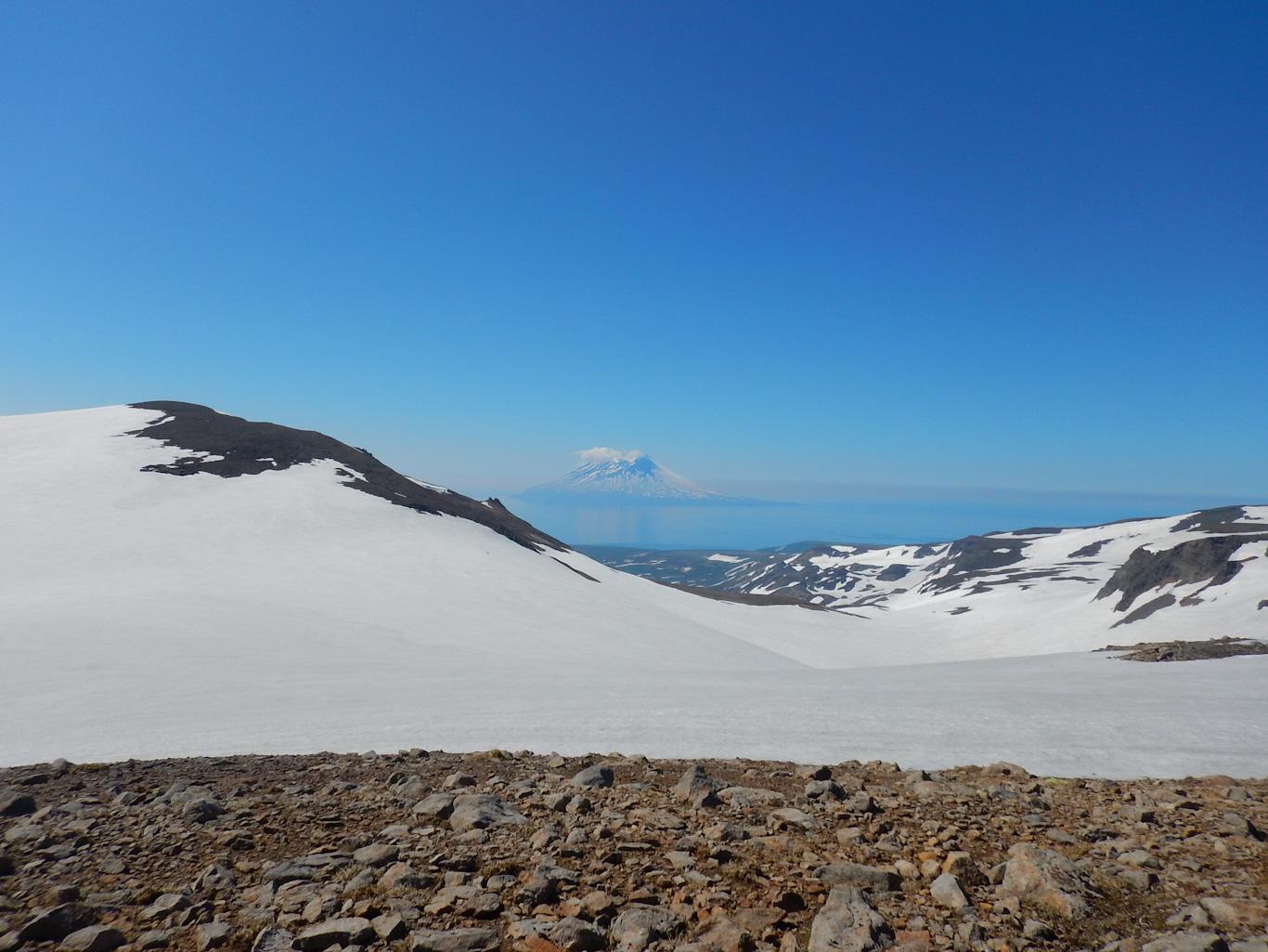 Алаид. Вид с гор Парамушира