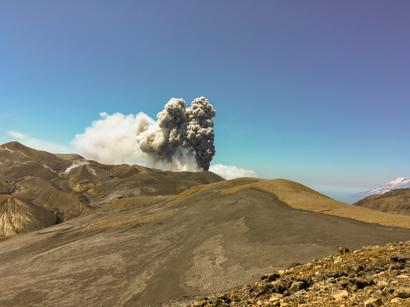 Парамушир, вулкан Эбеко