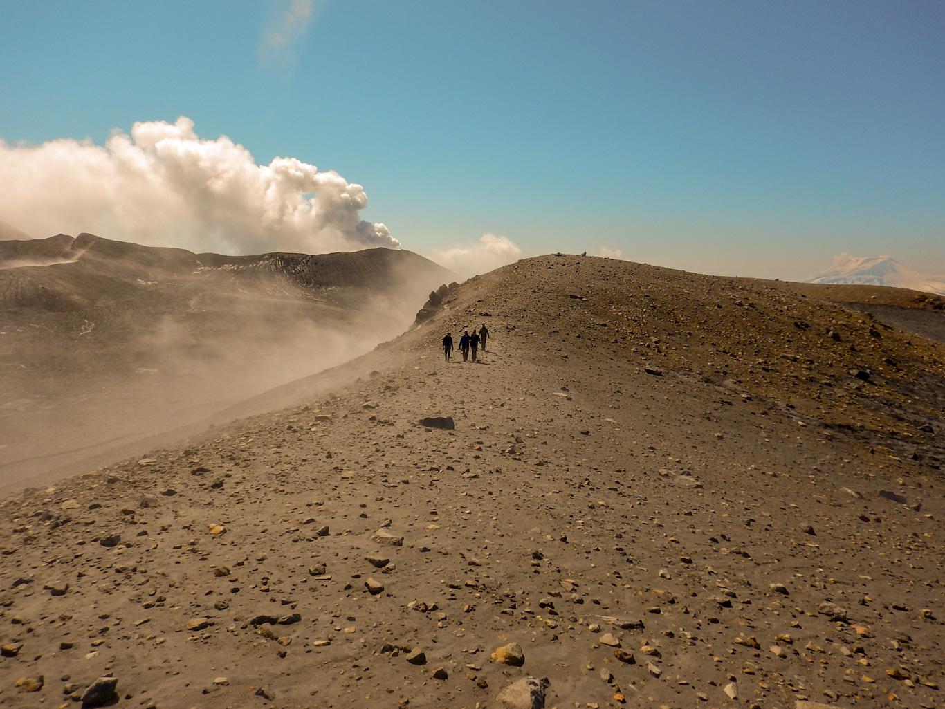 Парамушир, идем к вулкану Эбеко