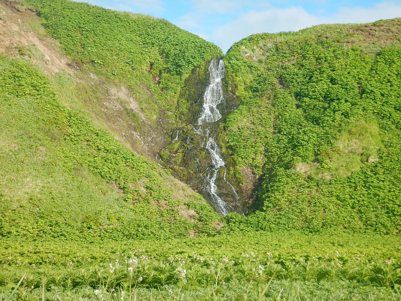 Водопад на Парамушире